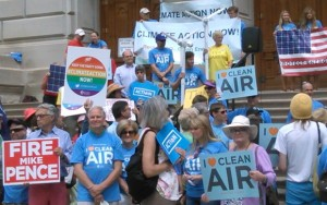Backers of President Obama's clean power initiative rally at the Statehouse in August. (Photo by Amber Stearns, NUVO.)