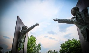 The Landmark for Peace memorial depicts Martin Luther King Jr. and Robert F. Kennedy with outstretched arms. Photo by Larry Ladig.
